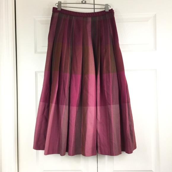 Pendleton Dresses & Skirts - Pendleton wool skirt retro style burgundy plaid